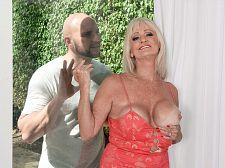 JMac shoots his sex cream, Leah swallows